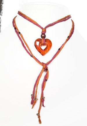 Collier soie coeur Orange Pamplemousse