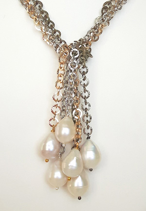 Collier Perles naturelles blanches 3 rangs
