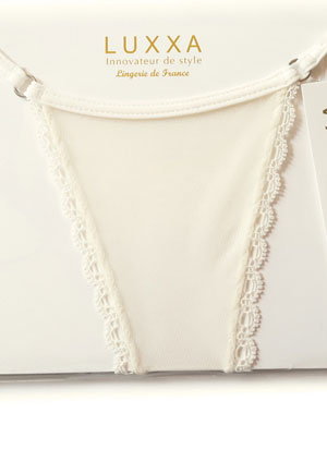 Mini String feston Love Creme Luxe